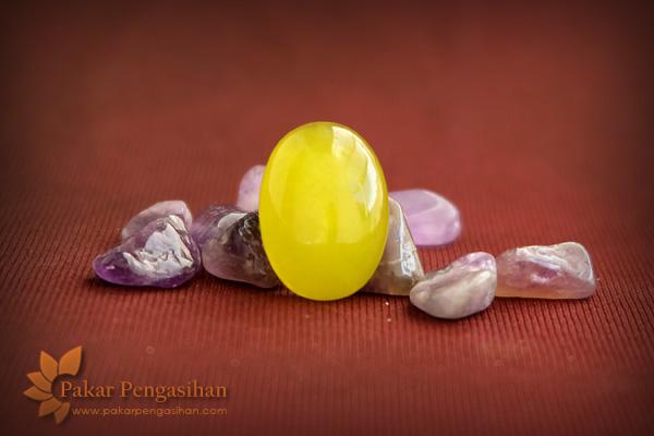 batu pengasihan semar kuning