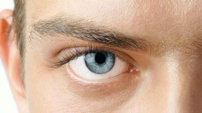 Cara Menggunakan Mustika Gendam Asmaradhana Melalui Pandangan Mata